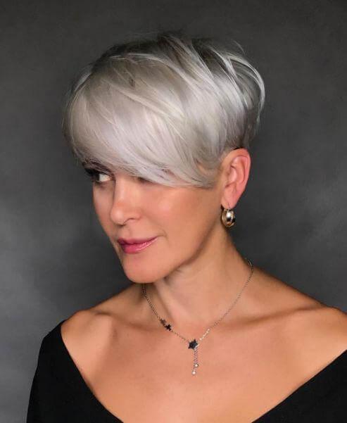 Short Haircuts For Gray Hair – 15+